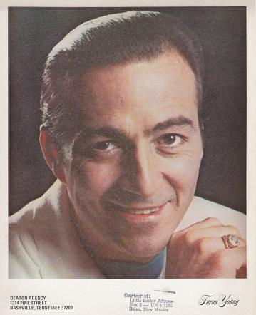 PROFESSIONAL PHOTOGRAPH OF FARON YOUNG. Faron Young.