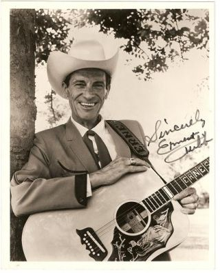 SIGNED, PROFESSIONAL PHOTOGRAPH OF ERNEST TUBB. Ernest Tubb