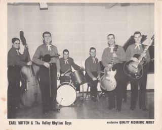 PROFESSIONAL PHOTOGRAPH OF EARL MITTON & THE VALLEY RHYTHM BOYS:; Country & Western performers....