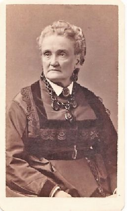 CARTE DE VISITE OF AMERICAN ACTRESS CHARLOTTE CUSHMAN, PHOTOGRAPHED BY WARREN STUDIOS. Charlotte...
